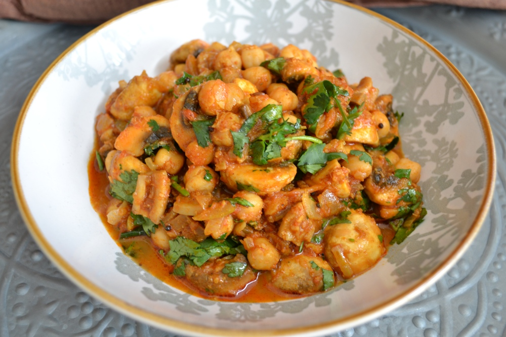 Curry in 10 minutes...mushroom and chickpea by Yudhika Sujanani