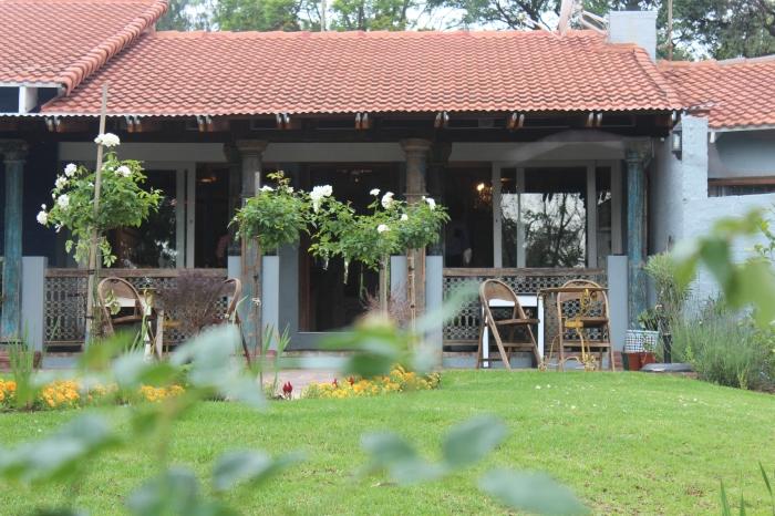 Holi Cow, Kingfisher Drive, Fourways  Tel: 011 467 2661