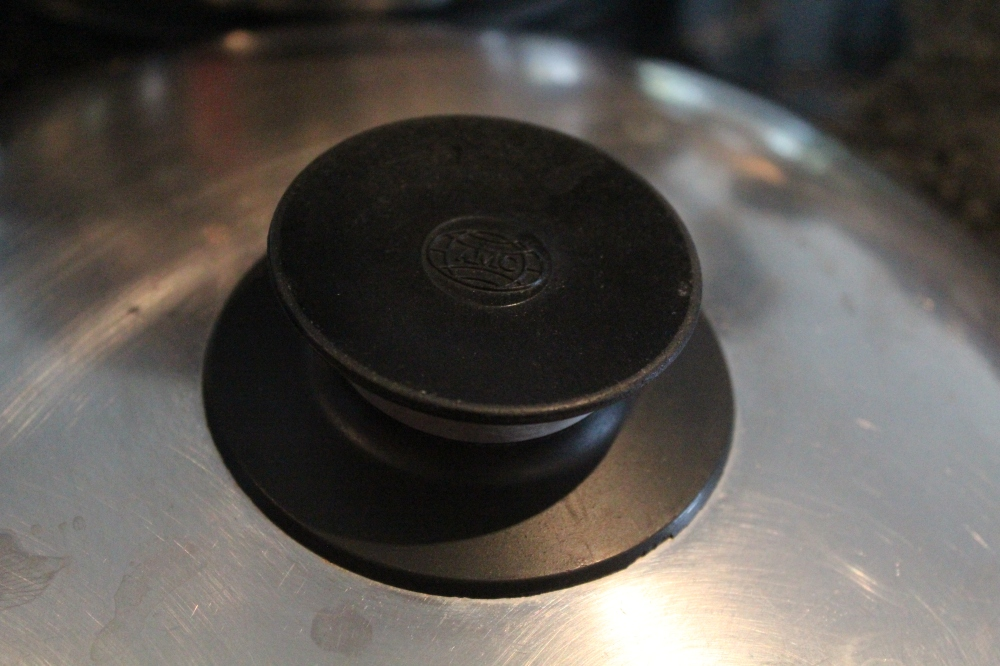 The vintage AMC lids and knobs