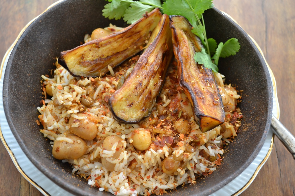 Spicy Brinjal Veggie Pilau with chickpeas and lentils by Yudhika Sujanani